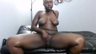 Big shaking booty ass black chocolate beauty makes u cum